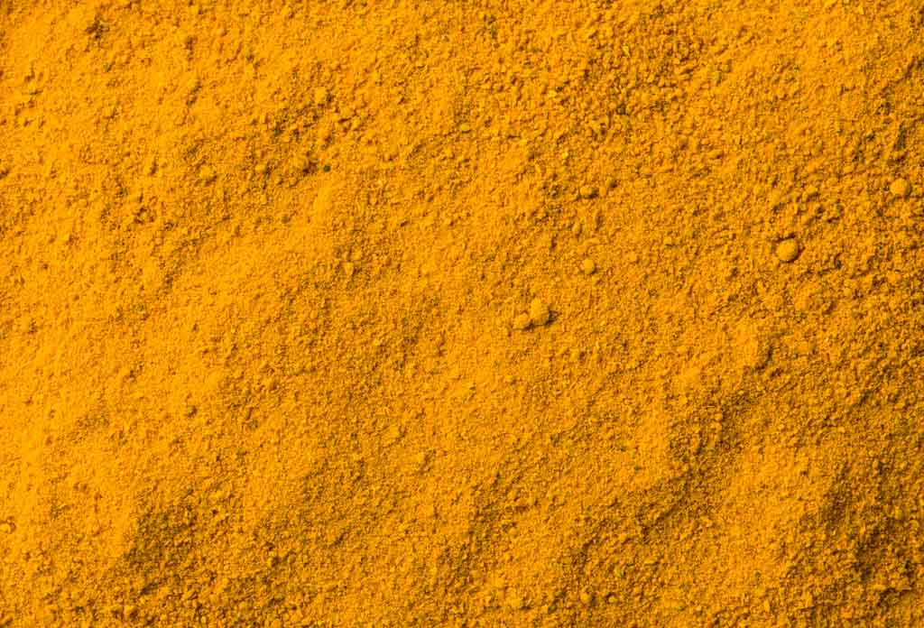 Our fresh golden turmeric powder is smoking, but it's not smoked.